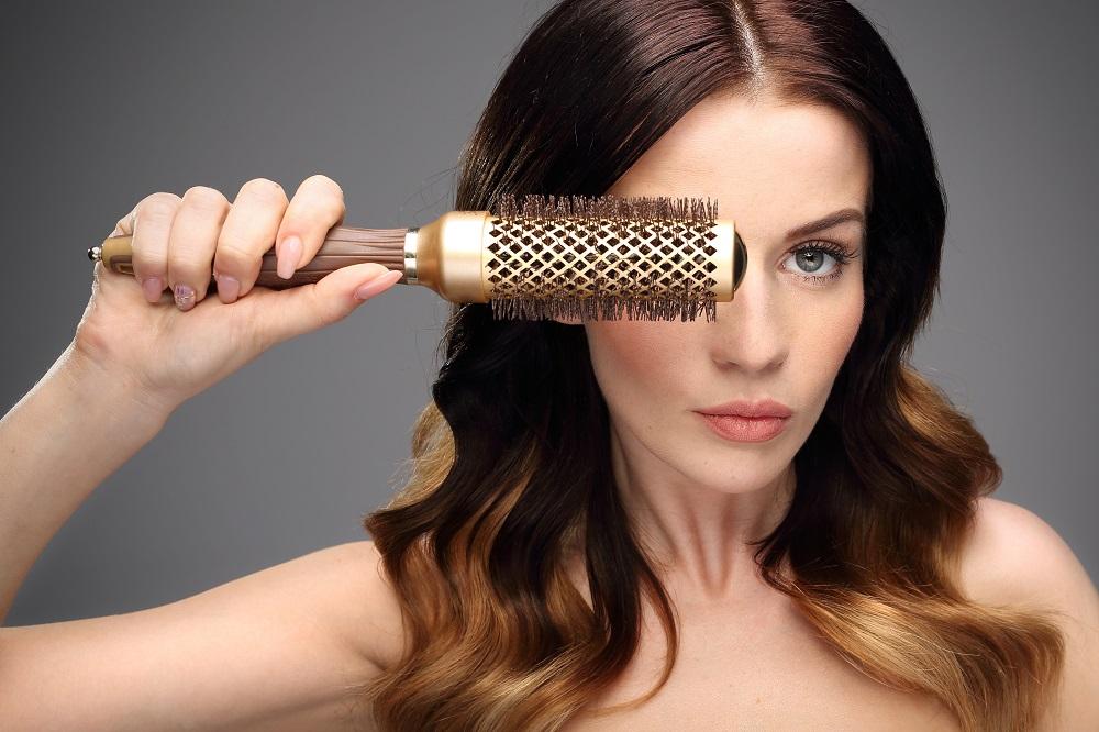 Jak prawidłowo dbać o kondycję włosów?